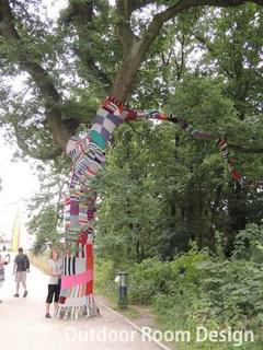 yarn bombingfloriade.jpg